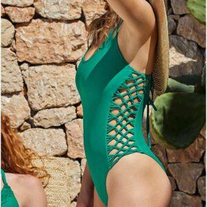 Ysabel Mora zöld egyrészes bikini